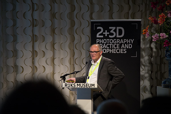 Digital imaging specialist, Hans van Dormolen, founder of Hans van Dormolen Imaging & Preservation Imaging (HIP) presents his new innovation, a 3D imaging target for the capture of 3D objects, at the 2+3D Photography Practice and Prophecies at the Rijksmuseum, Amsterdam, The Netherlands.