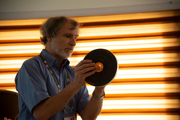 Neil Garner from Training for TV Ltd. running a workshop at the International Association of Sound and Audiovisual Archives (IASA) international conference at the University of Ghana, Legon.